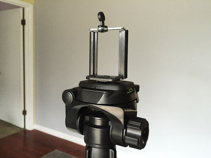 Cheap tripod smartphone stand for taking your own professional photo